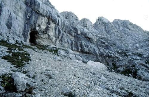 mf15 caverna ricovero